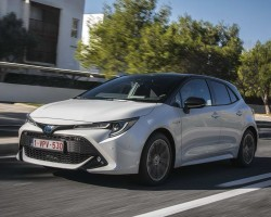 New Corolla hatchback. Image by Toyota.