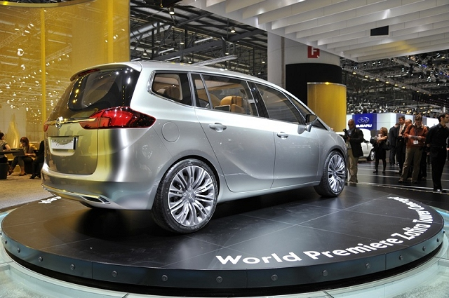 The Car Enthusiast Image Gallery 2011 Vauxhall Zafira Tourer