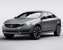 Incoming: Volvo S60 Cross Country. Image by Volvo.