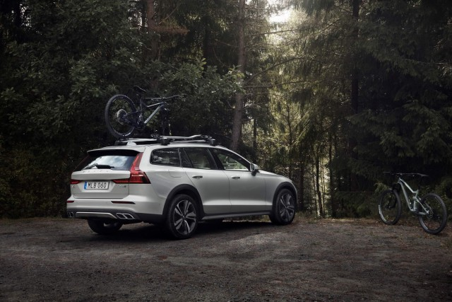 Volvo adds Cross Country to V60 range. Image by Volvo.