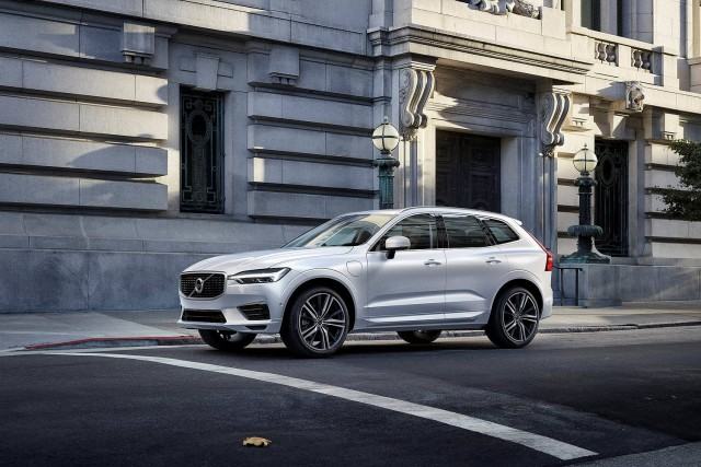 Shock: new Volvo XC60 is safe. Image by Volvo.