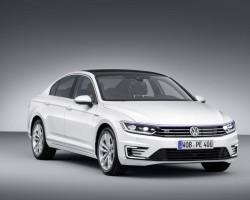 Volkswagen to reveal Passat GTE in Paris. Image by Volkswagen.