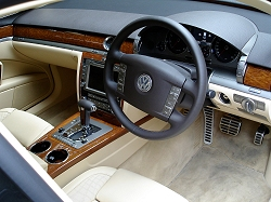 week at the wheel vw phaeton w12 car reviews by car. Black Bedroom Furniture Sets. Home Design Ideas