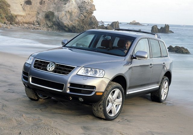 the car enthusiast image gallery 2004 vw touareg. Black Bedroom Furniture Sets. Home Design Ideas