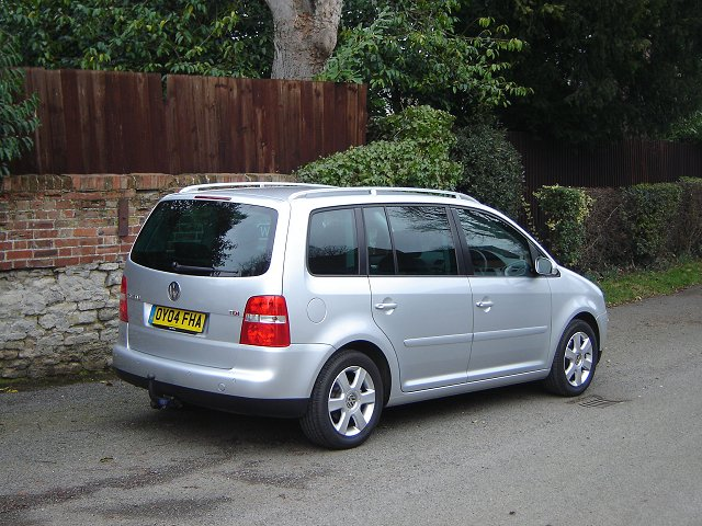 2004 VW Touran review. Image by James Jenkins.